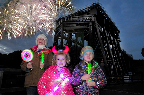 ANDERTON BOAT LIFT'S MUSICAL FIREWORK SPECTACULAR IS BACK WITH A BANG ON SATURDAY 28 OCTOBER